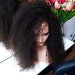 Monika – Peruka naturalna długa kręcone włosy 60cm